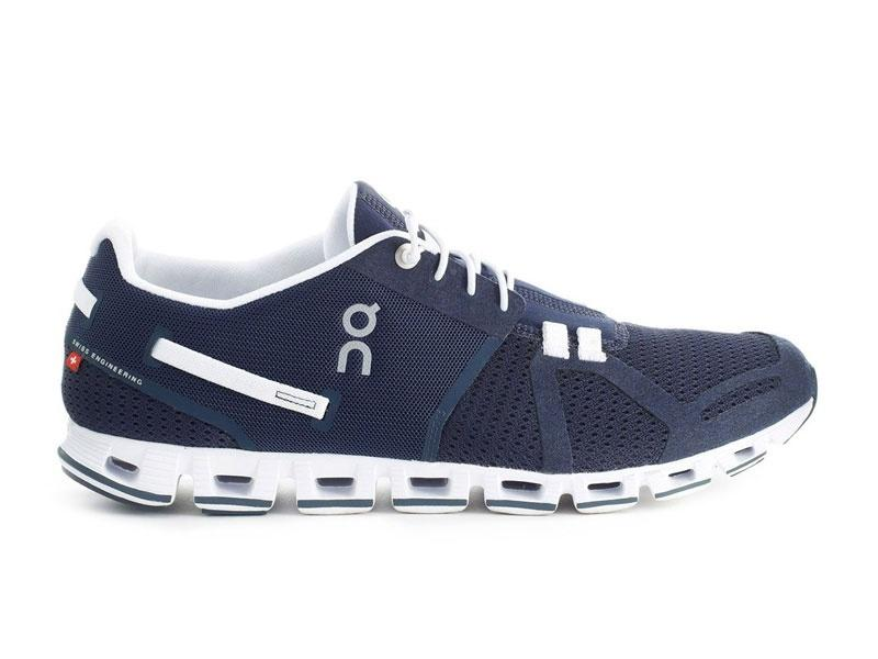 7a49406ea On Cloud M navy/white | Sportrysy.sk